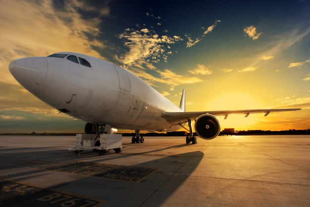 airplane-sunset-jcomp