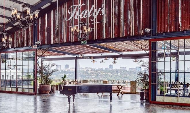katys palace bar